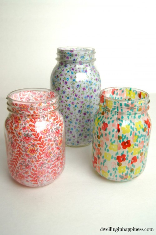 floral mason jars (via dwellinginhappiness)
