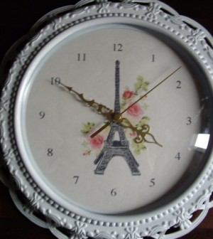 Paris-inspired clock makeover (via studentmedia)