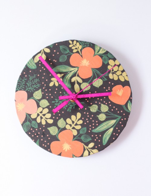 clock renovation with wrapping paper (via shelterness)