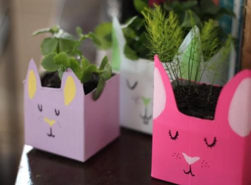 recycled bunny planters (via 17apart)