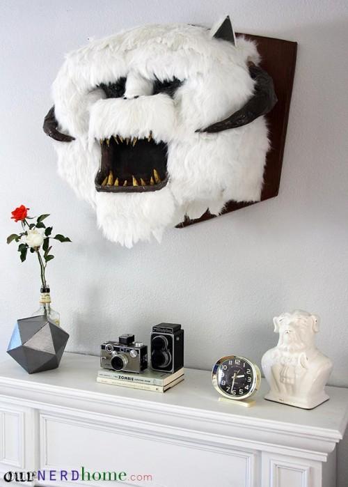 wall mounted wampa head (via ournerdhome)