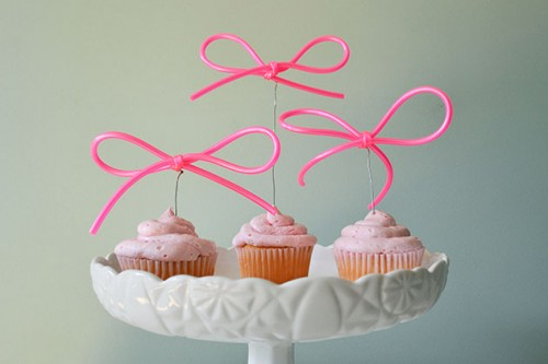 jump rope cupcake topper (via abubblylife)