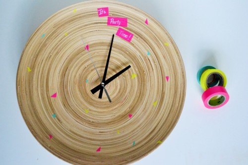Fun DIY Clock Made Of A Dish