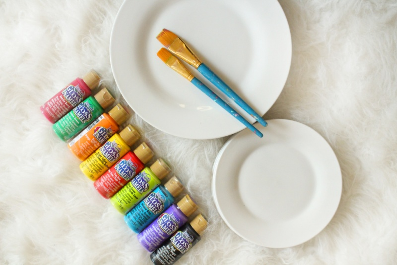 Picture Of fun diy dishwasher safe painted plates  2