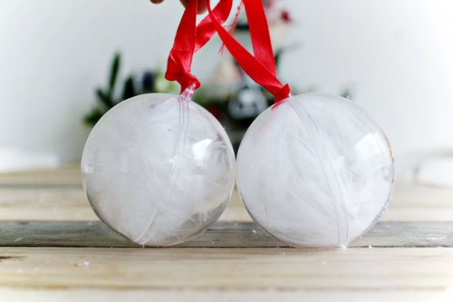 feather snowballs (via lanaredstudio)