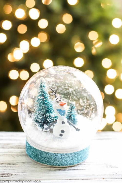 Fun DIY Frozen Olaf Snow Globe