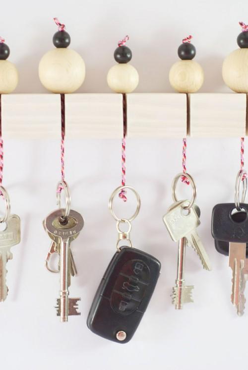 Fun DIY Key Holder With Wooden Beams