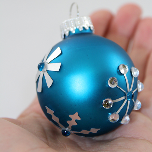 silver foil snowflake ornament (via blog)