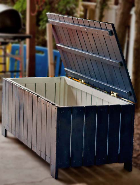 7 Functional And Cool DIY Outdoor Storage Benches