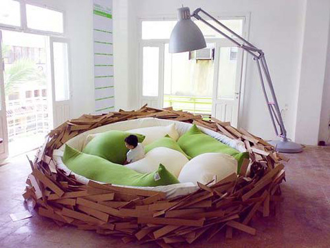 Giant Bed Inspired By a Bird Nest