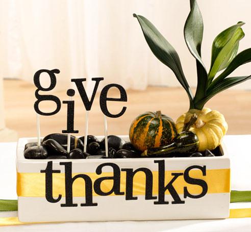 DIY Thanksgiving Centerpiece In Rectangular Vase
