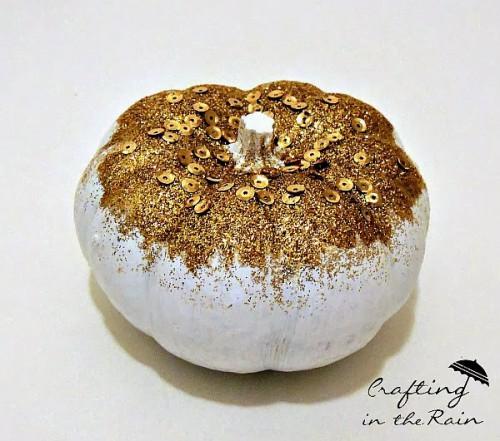 gold sequin pumpkins (via craftingintherain)