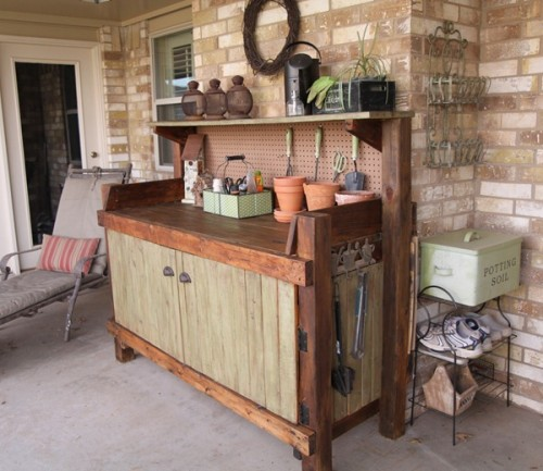 Good Looking Potting Bench