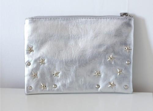 star printed clutch (via victoriabrikho)