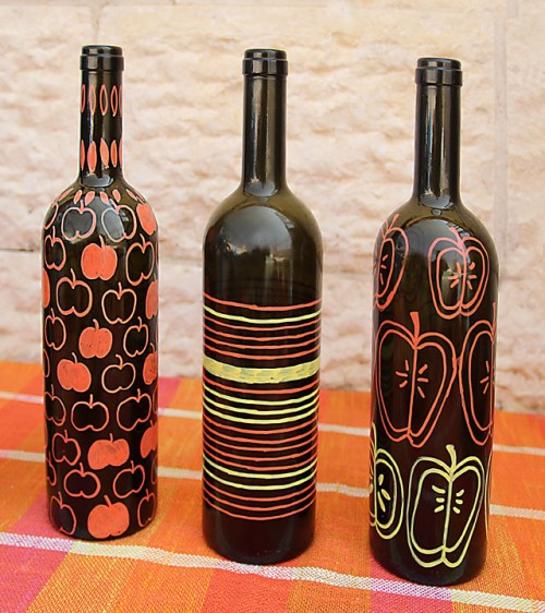 painted wine bottle vases (via creativejewishmom)