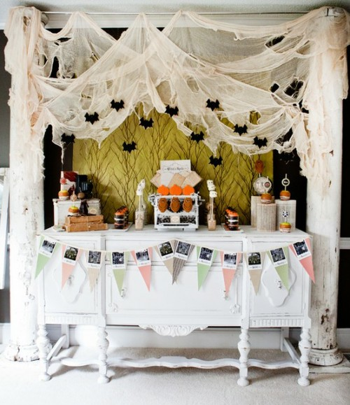 20 Cool Halloween Table Display Ideas