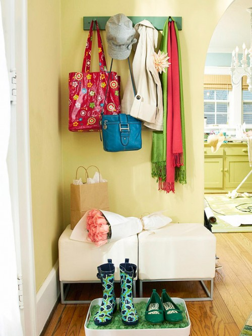 lovely walls color for a bright entrance