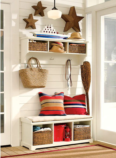 67 mudroom and hallway storage ideas shelterness for Foyer storage ideas