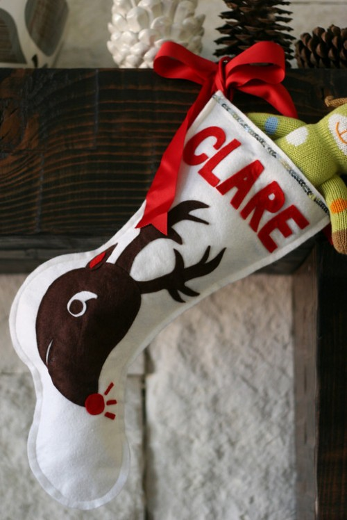 Reindeer Christmas Stockings (via prudentbaby)