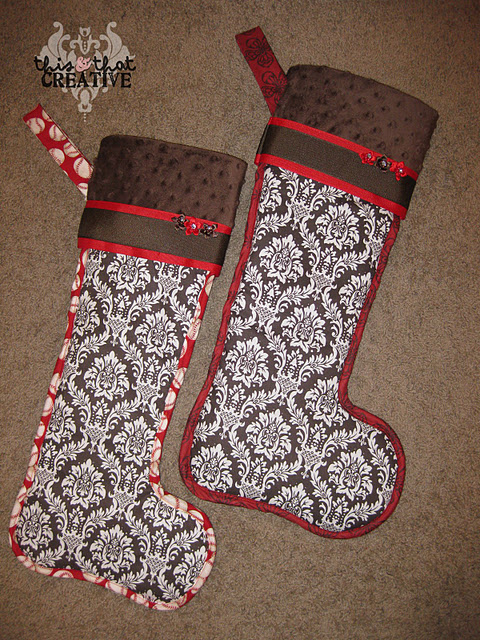 DIY Christmas Stockings (via thisandthatcreative)