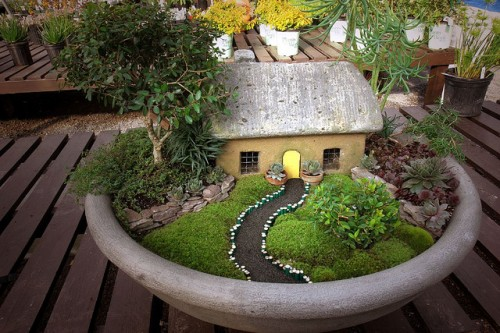 Handmade Mini Landscape House And Garden