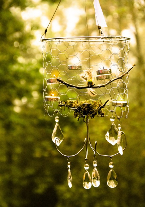 wire outdoor chandelier (via shelterness)