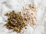 oatmeal and camomile for insect bites