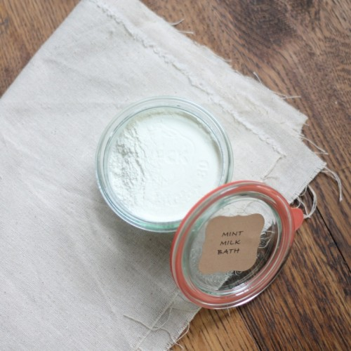 skin moisturizing mint bath salts