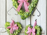 Faux Holly Leaves For Cake Decorating