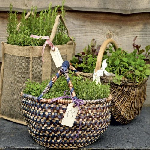 Garden herb baskets (via housetohome)