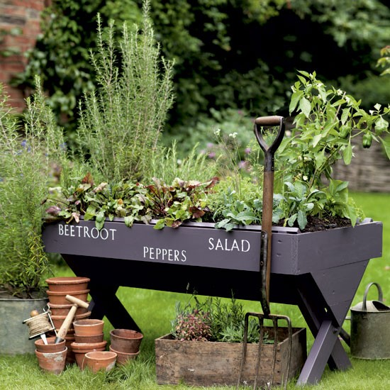 Elegant 40 Inspiring Diy Herb Gardens Diy Wooden Raised Bed With A Stencil