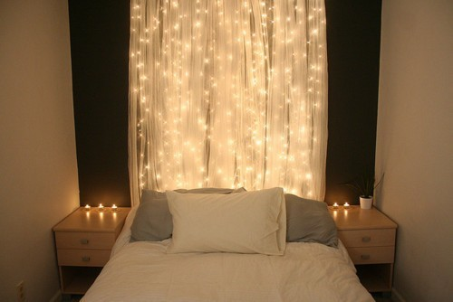 Here is another amazing idea for a DIY glowing headboard that you can make for Christmas.
