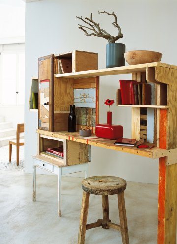 Trend DIY Home Office Desk Made Of Recycled Boards