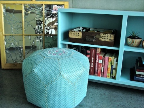 blue moroccan pouf (via textile-love)