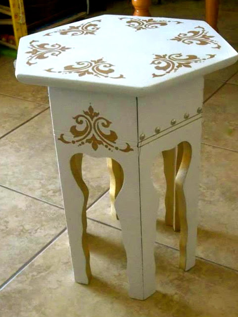 little moroccan table (via azzuredesign)