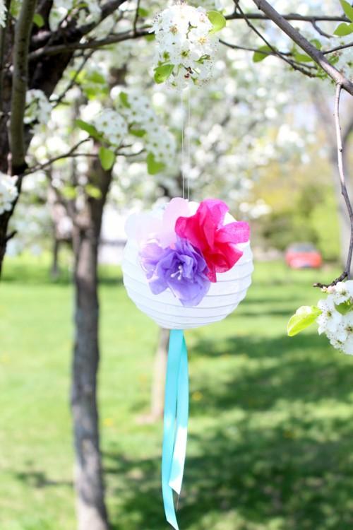 paper flower lanterns (via studiodiy)