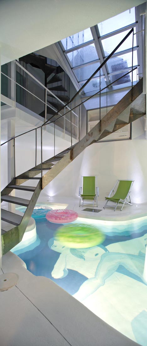 House With A Swimming Pool Inside
