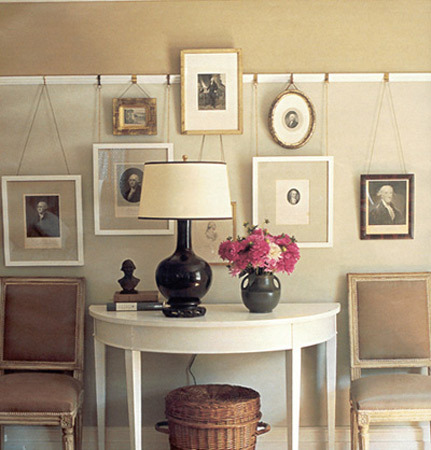 15 creative ideas to hang photos and art shelterness - Hanging pictures on walls ...
