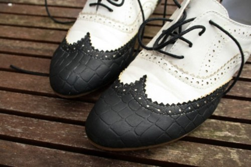 How To Decorate A Pair Of Usual Shoes
