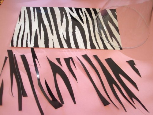 How To Decorate A Vase With Zebra Pattern