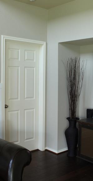 How To Decorate Indoor Doors Using Moldings