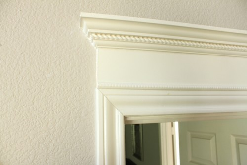 How To Decorate Indoor Doors Using Moldings