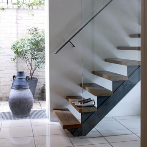 31 Stair Decor Ideas To Make Your Hallway Look Amazing: How To Decorate A Staircase