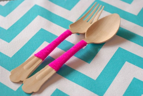 yarn covered utensils (via candidlypretty)