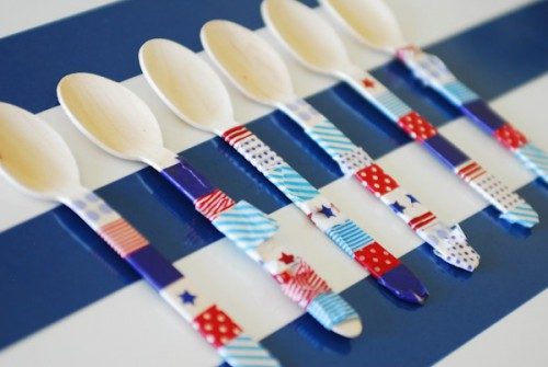 patriotic washi tape utensils (via paisleypetalevents)