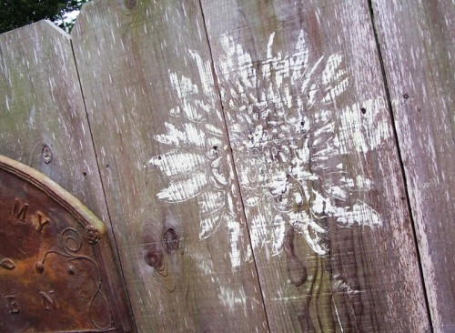 How To Decorate Your Fence