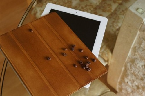 How To Give Tan Color To Your iPad Cover Using Coffee