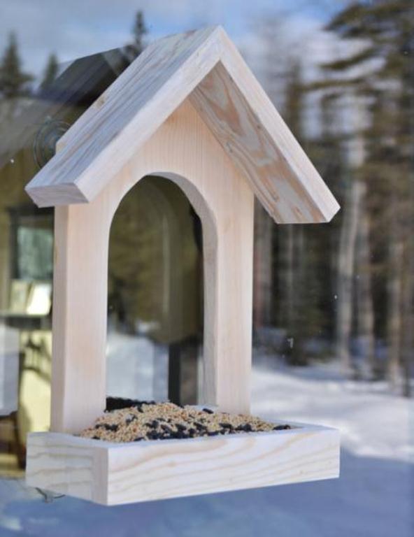 Make Simple Wooden Bird Feeder