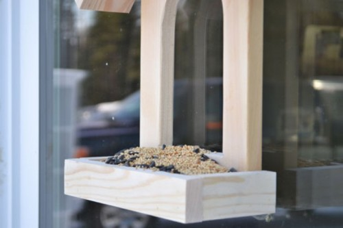 How To Make A Simple Window Diy Bird Feeder Shelterness