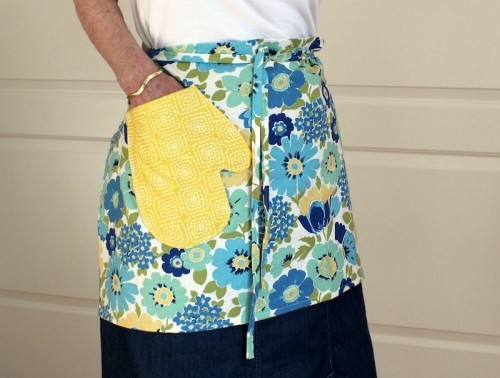 How To Make An Apron With A Mitten Pocket